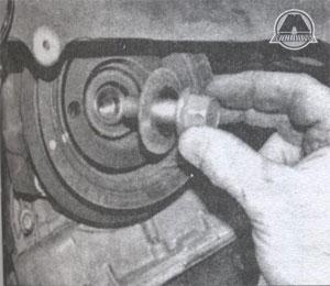извлеките шкив коленвала Toyota Corolla